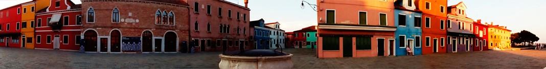 Isla Burano, situada en la laguna de Venecia.