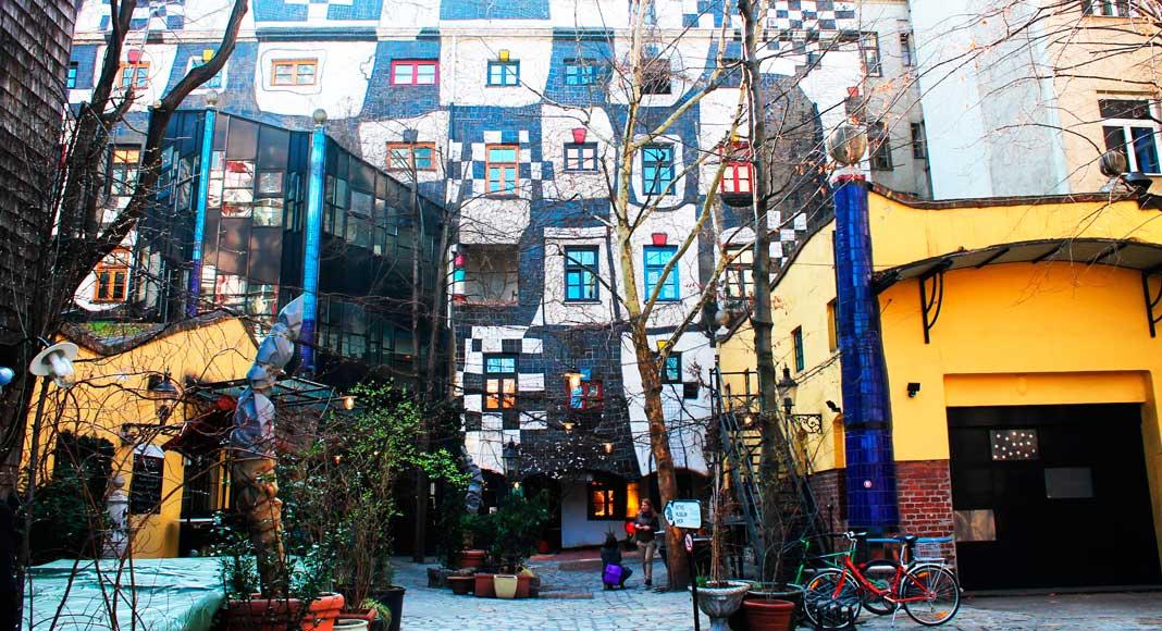 Viena: La Casa Hundertwasser es un edificio proyectado por el artista Friedensreich Hundertwasser