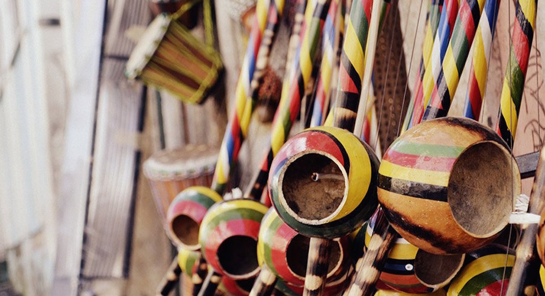 Instrumentos de bloccos afro en Salvador de Bahía