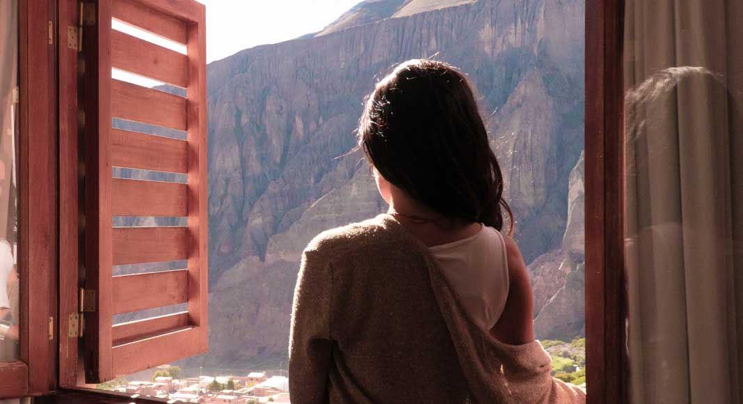 Vista de la habitación al valle