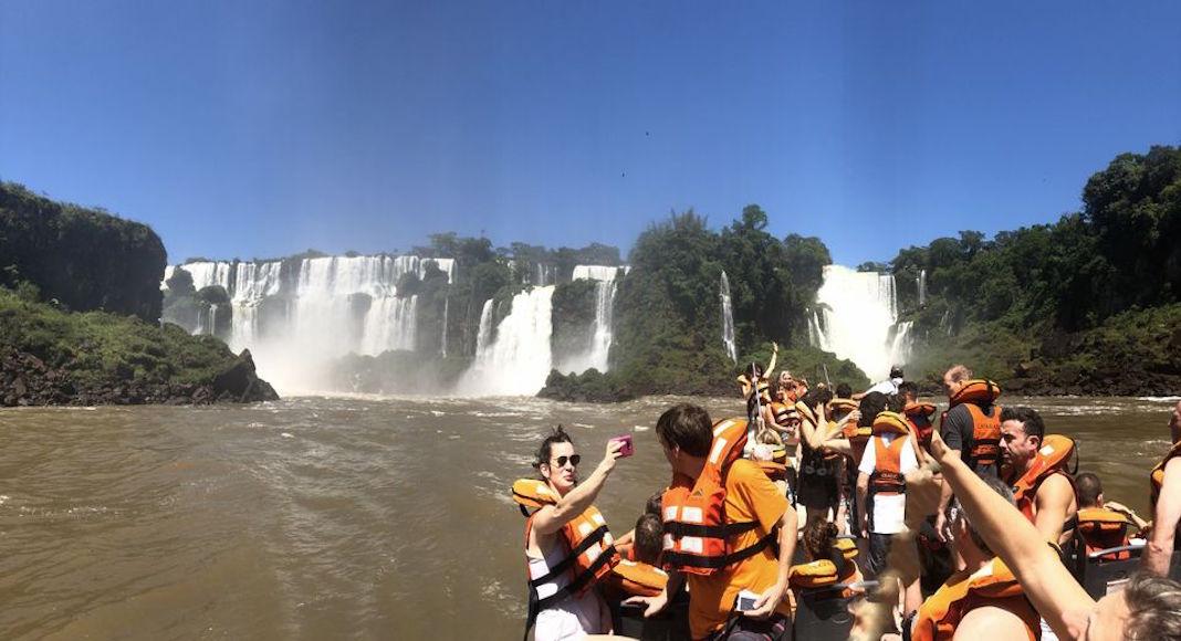 Atracciones imperdibles en Iguazú: Tour en barco