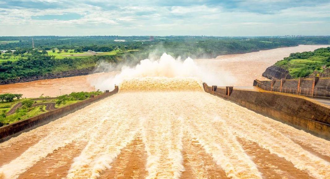 Tour a la represa de Itaipú