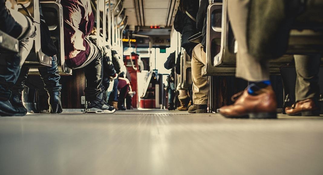 Vuelven trenes y micros: Cómo serán los protocolos