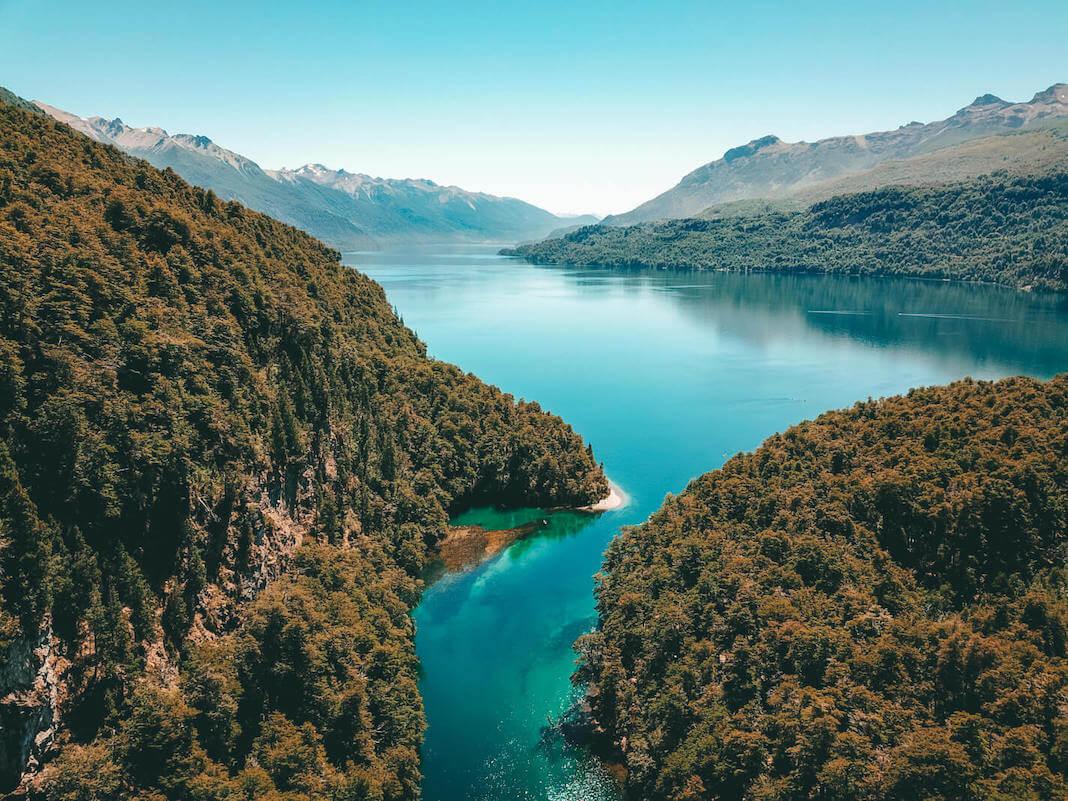 Lago Rivadavia en Parque Nacional Los Alerces